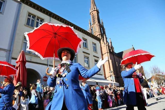 30000 Besucher feiern beim Treffen der Althistorischen Narrenzunft in Offenburg