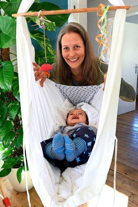 Glücklich trotz Kompromissen: Anna Martensen und Sohn Leo.  | Foto: Thomas Kunz