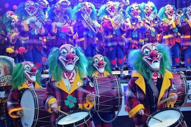Die Basler Gugge Negro Rhygass spielte beim Narrenfest der Gundelfinger Dorfhexen