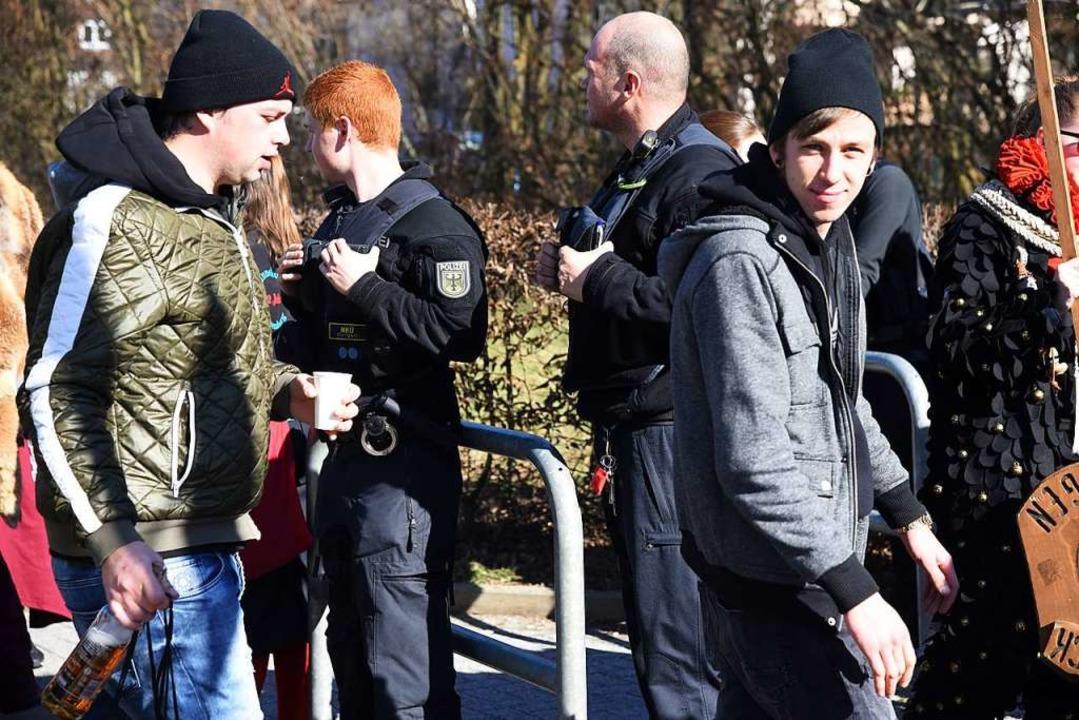 Kontrolle der Bundespolizei am Bahnhof  | Foto: Jonas Hirt