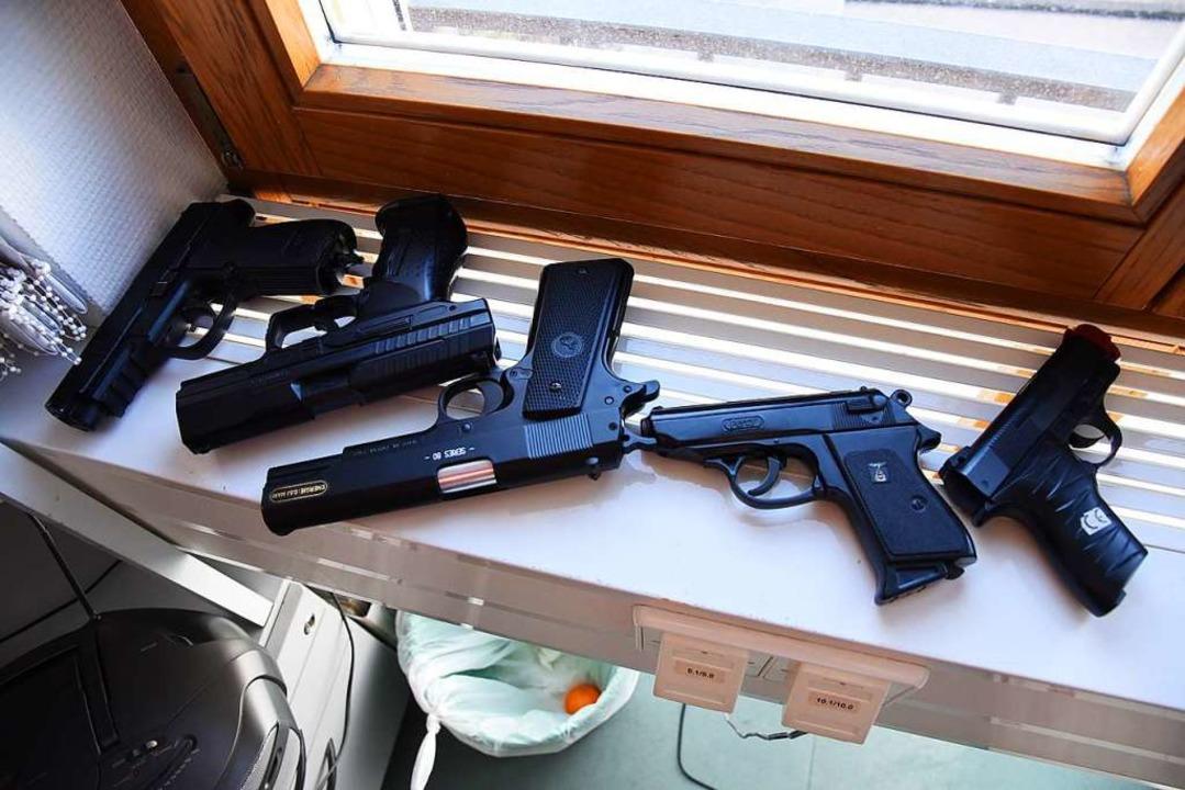 Konfiszierte Soft-Air-Pistolen  | Foto: Jonas Hirt