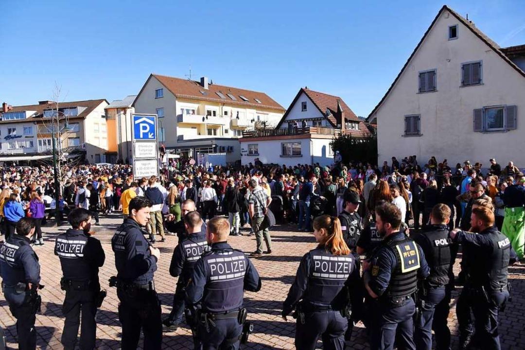 Die Polizeipräsenz ist hoch.  | Foto: Jonas Hirt