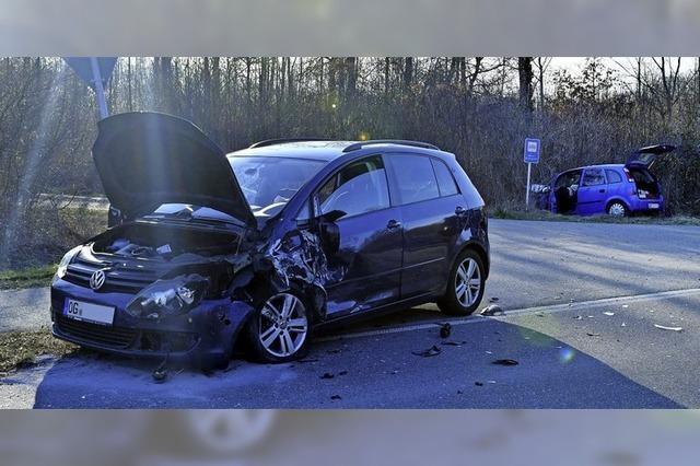 Kreisstraße nach Unfall gesperrt