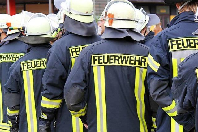 19 neue Feuerwehrleute haben ihre Ausbildung abgeschlossen