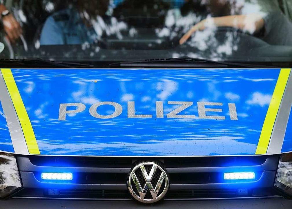 Die Polizei musste in der Nacht zum Di...eit zwischen einem Paar eskaliert war.  | Foto: dpa