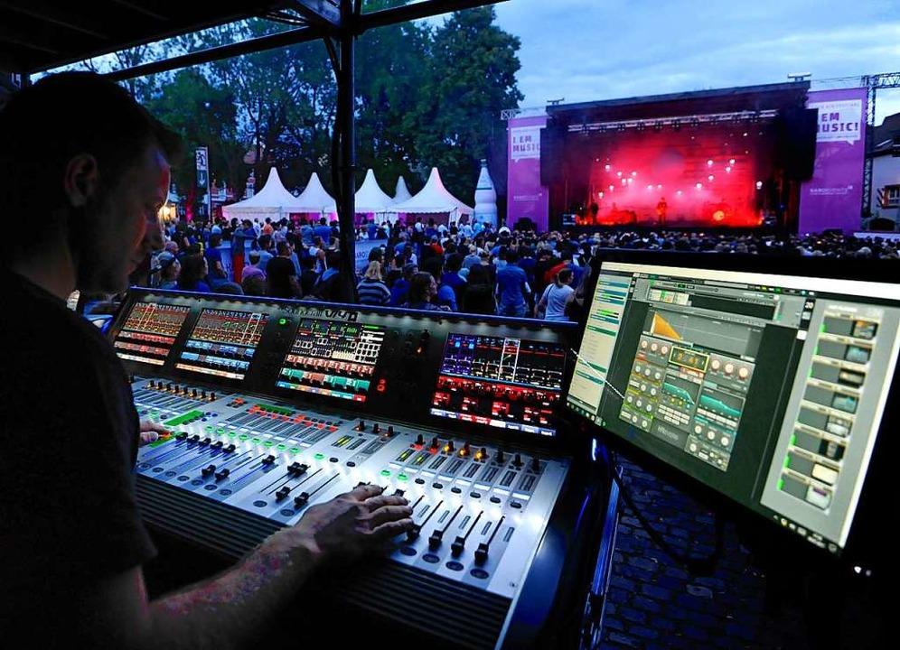Das I EM-Music-Festival zieht seit Jah...de von Besuchern auf den Schlossplatz.  | Foto: Markus Zimmermann