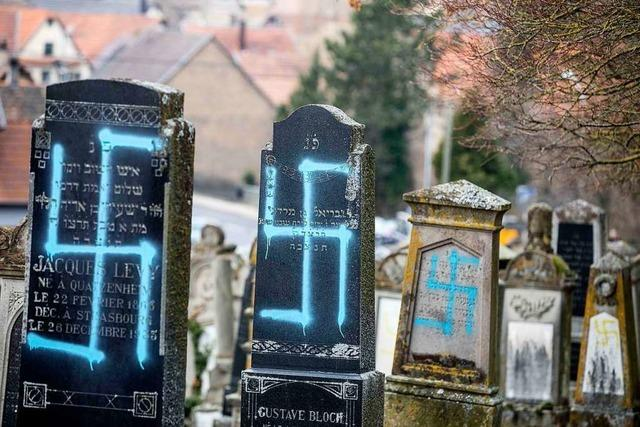 Nach Gräberschändung: Macron besucht jüdischen Friedhof im Elsass