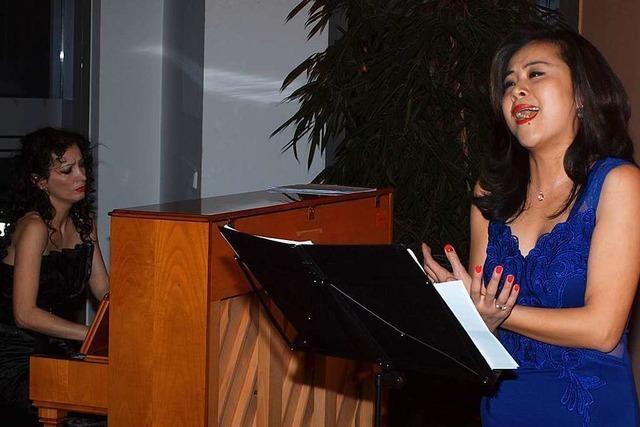 Lea Qin Messmer und Biljana Knab traten im Bürgerhaus erstmals öffentlich als Duo auf