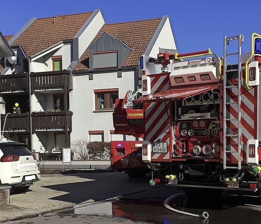 Die Feuerwehr Neuenburg konnte ein Übe...mmen auf den Wohnbereich unterbinden.   | Foto: Andreas Grozinger