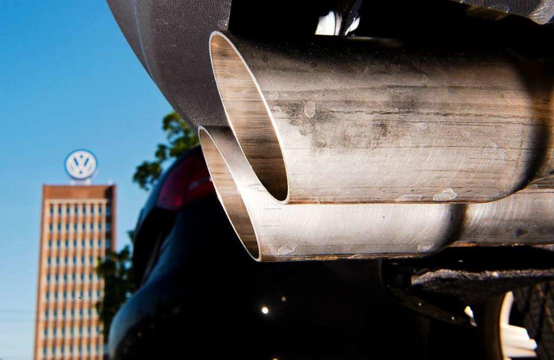 Käufer manipulierter Diesel-Fahrzeuge fordern von Volkswagen Geld.  | Foto: dpa