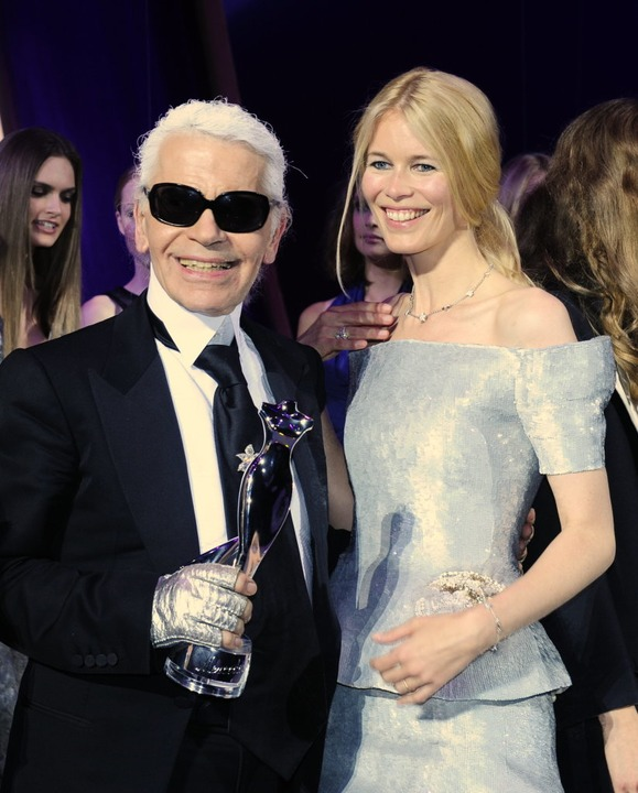 "Karl Lagerfeld neben Top-Model Claudia...g des ""Elle Fashion Star"".  | Foto: Soeren Stache"
