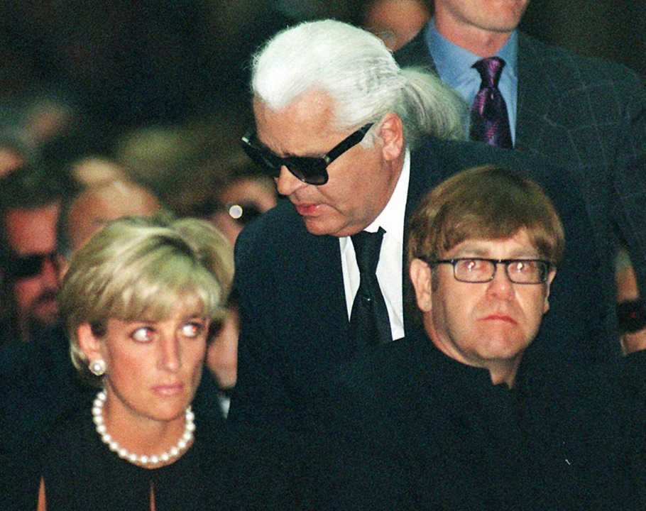 Mailand am 22.07.1997: Diana, Prinzess...ce im gothischen Dom von Mailand teil.  | Foto: dpa