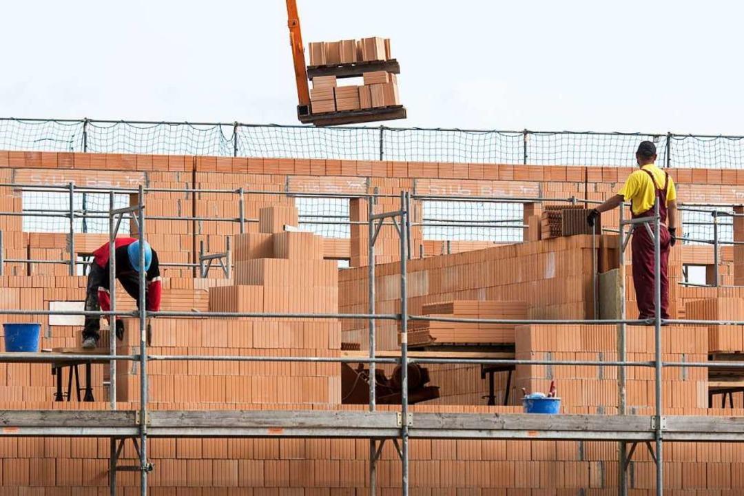 Das Baukindergeld bringt den Familien ... Eigenheimzulage, meint Jörg Buteweg.   | Foto: dpa