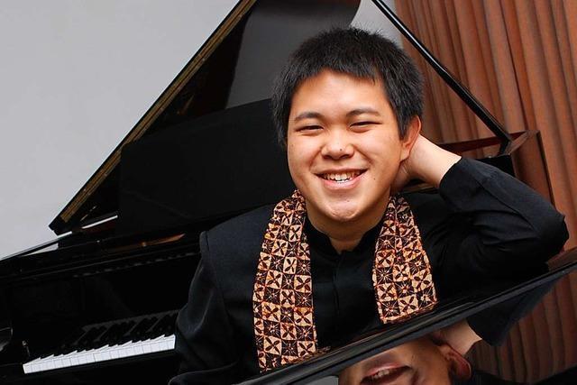 Wie ein 17-Jähriger Indonesier nach Freiburg kam, um Klavier zu studieren
