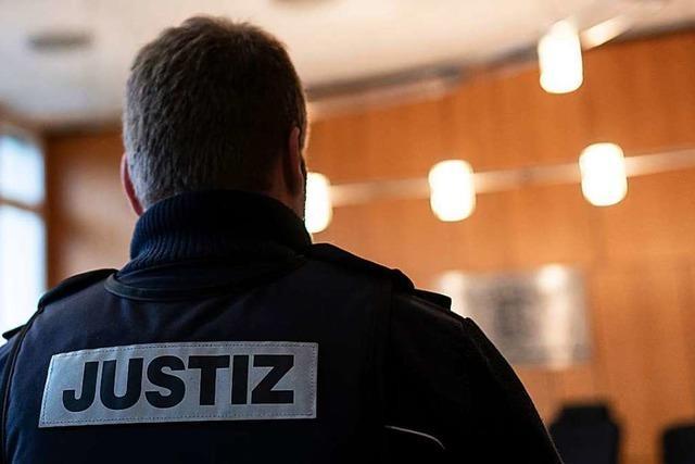 Attacke in Friesenheimer Gaststätte: Angeklagter stach zweimal zu – im Wahn?
