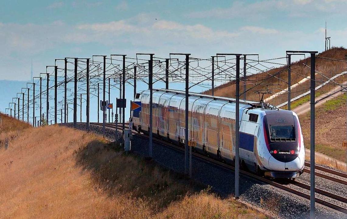 Ein TGV hat eine Person bei Willstätt erfasst. (Symbolbild)  | Foto: AFP