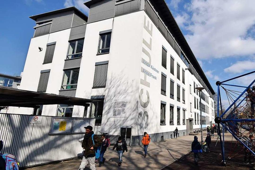 Derzeit sind die Erich-Kästner-Realsch...der Prinz-Eugen-Straße untergebracht.   | Foto: jtr