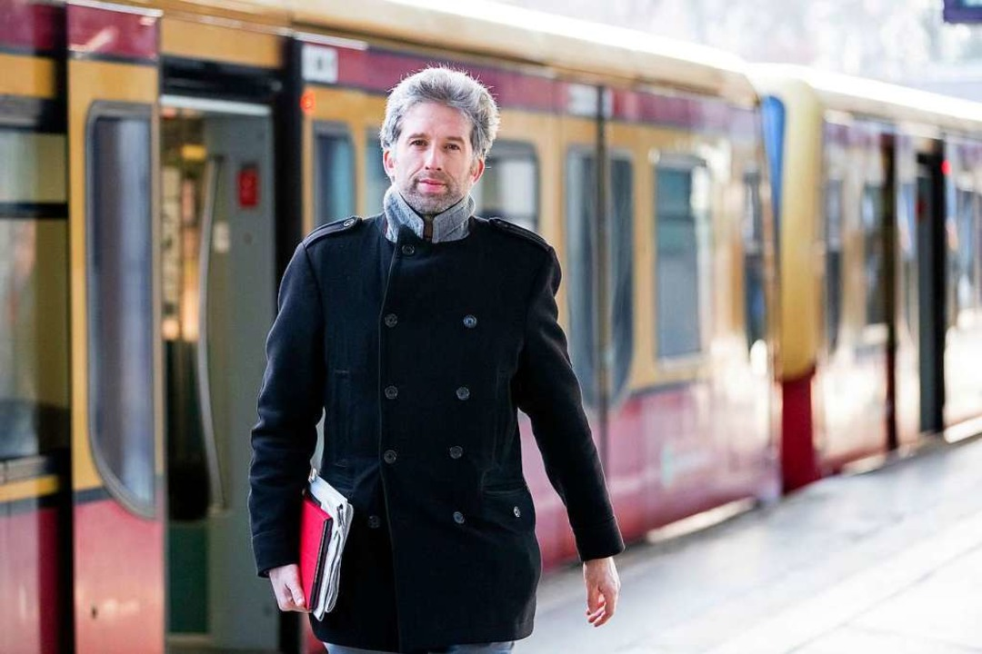 Ankunft am S-Bahnhof Berlin Messe Süd: Boris Palmer  | Foto: dpa