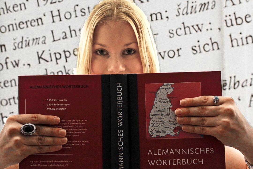 Wer mehr  über  Dialekt erfahren will, kann nachschlagen.  | Foto: Max Schuler