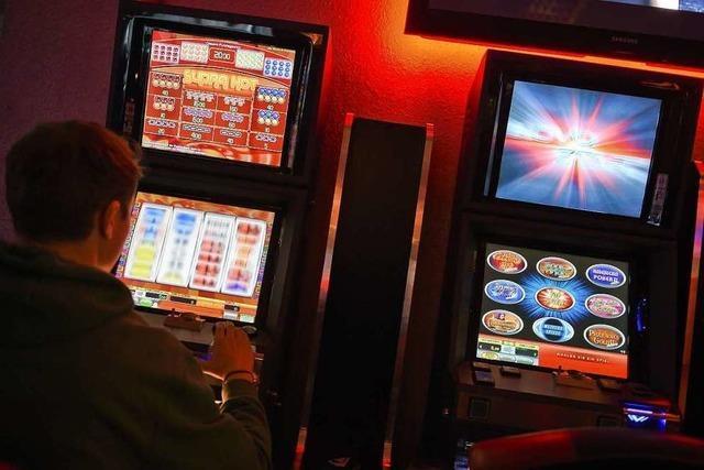 Unbekannte brechen Spielautomaten in Gaststätte bei Waldshut-Tiengen auf – und erbeuten vierstelligen Betrag