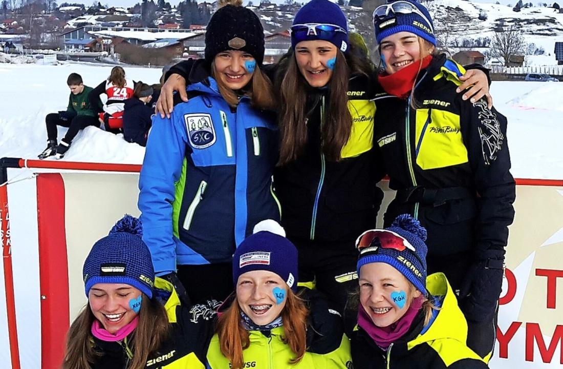 Freude über Rang sechs: die Mädchen de...raub,  Marlene Bach und Janna Klimpel   | Foto: kgh
