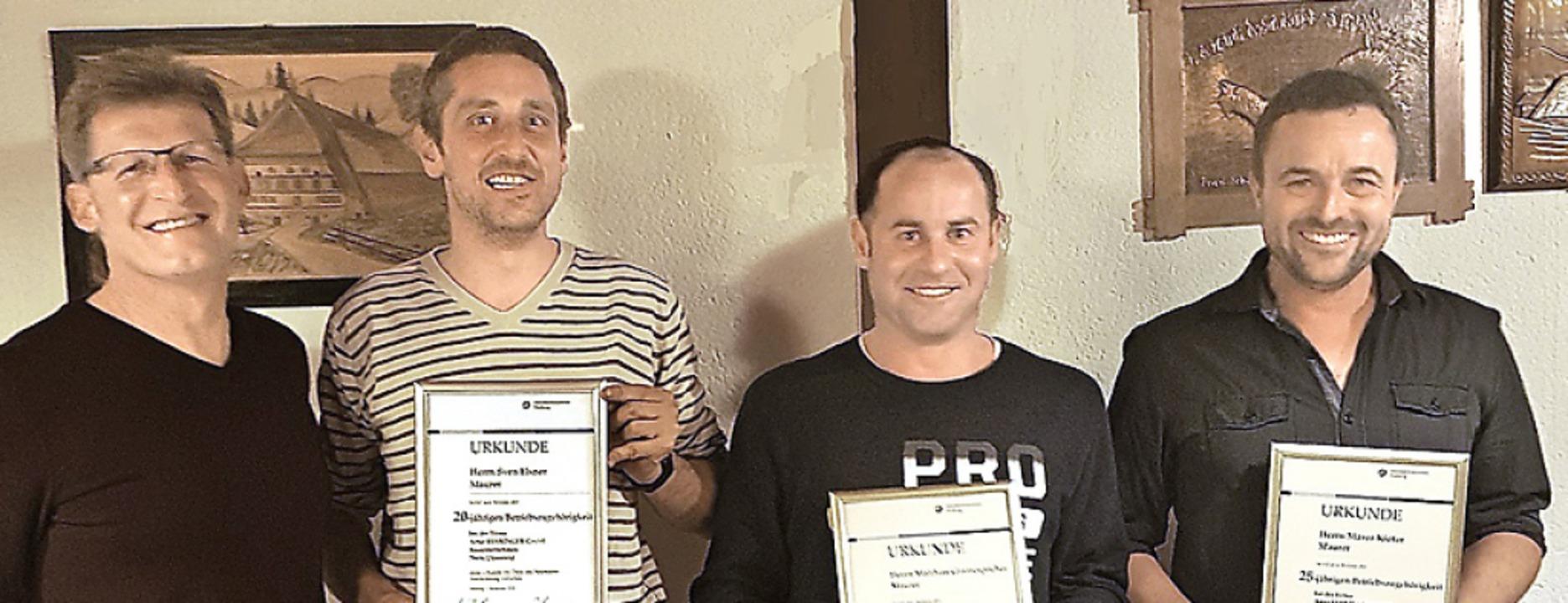 <BZ-FotoAnlauf>Artur Behringer Gmbh:</...spacher und  Marco Kiefer (von links).  | Foto: verein,Firma