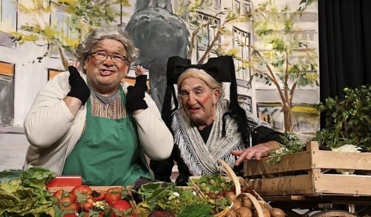 Beliebte Klassiker beim Zunftabend: Di...gestalteter Kulisse von Wolfgang Krell  | Foto: Barbara Ruda