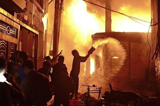 Chemikalien beschleunigten den Brand