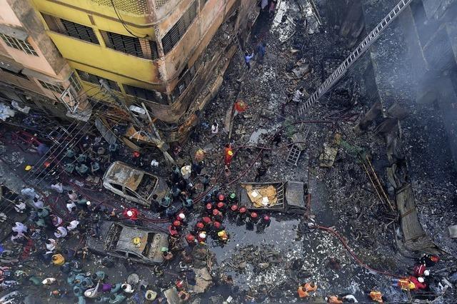 Großbrand in Dhaka – Dutzende Tote