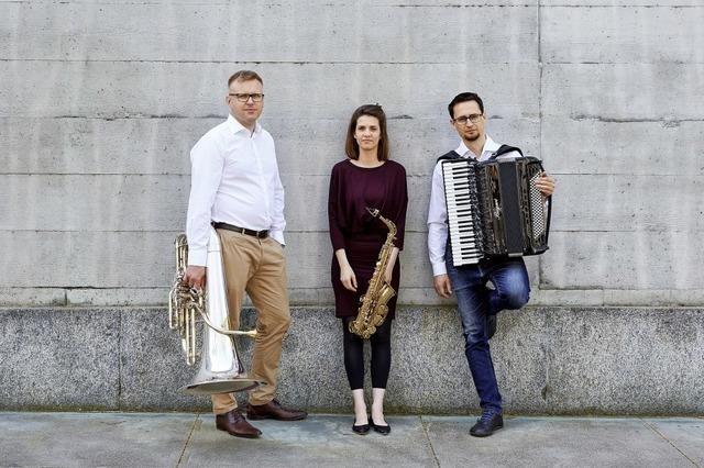 Trio No Strings Attached gastiert in der Kulturscheune Rabei n Kleinkems