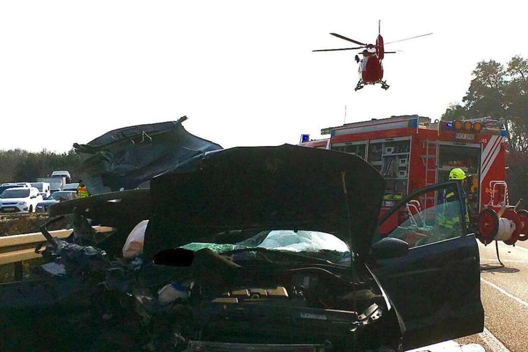 Schwerer Unfall auf der Autobahn A5 be...n Rettungshubschrauber war im Einsatz.  | Foto: Andreas Grozinger