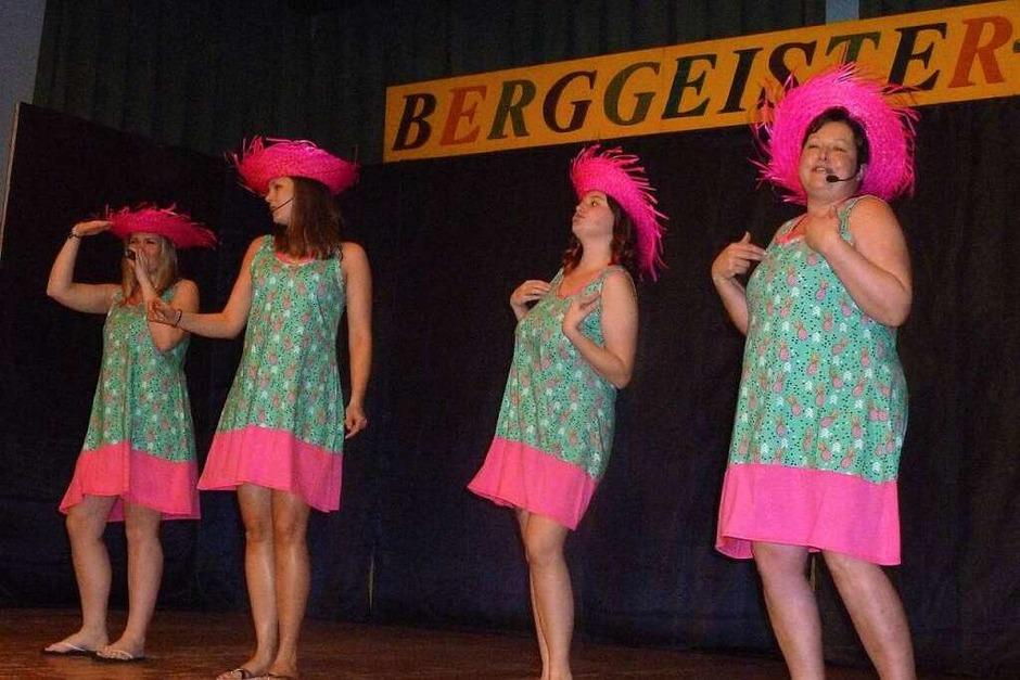 "Hier singen die ""Nollinger Perlen"" pfiffige Lieder. (Foto: Jutta Rogge)"