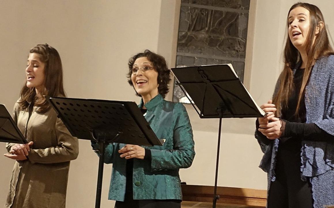 Zauberhafte Lieder über die Nacht und ... besuchten Kapelle der Himmelspforte.   | Foto: Roswitha Frey