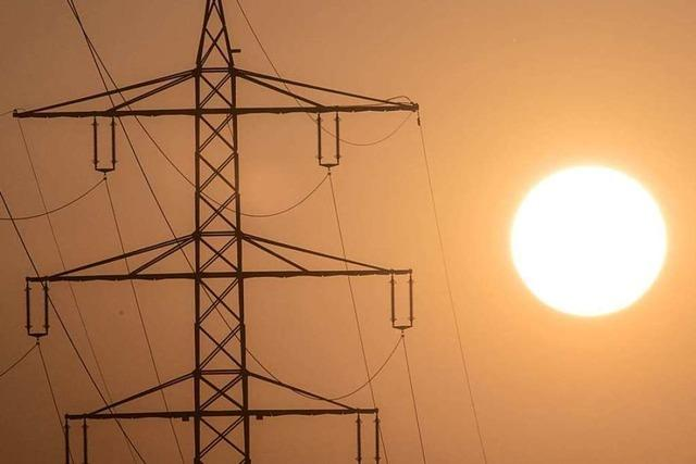 Autofahrer fällt Strommasten – Stromausfall in Villingen-Schwenningen