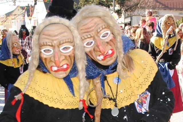 Fotos: Narren lassen Binzen Kopfstehen
