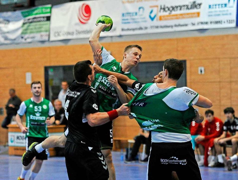 Tim Stocker setzte in der entscheidend...wesentliche Impulse für sein HGW-Team.  | Foto: Bettina Schaller