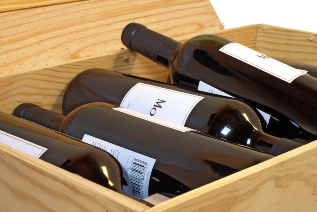 Der Wetteinsatz: Eine Kiste Wein (Symbolbild)  | Foto: Didier Doceux (Adobe Stock)