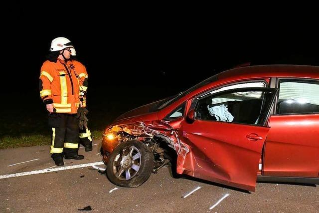 Betrunkener rammt beim Überholen Wagen mit drei jungen Frauen
