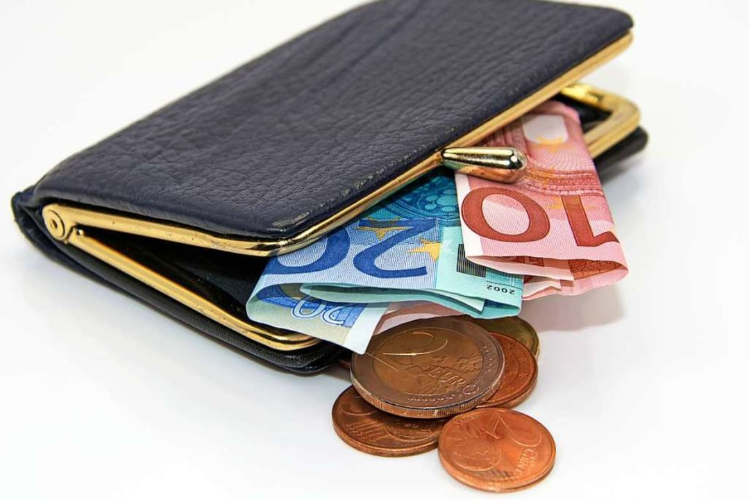 Besucher von Theatervorstellungen und ...Geld für Tickets ausgeben. Symbolbild.  | Foto: ©M. Schuppich - stock.adobe.com
