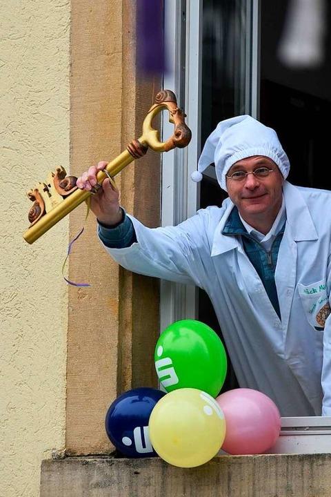 Vor der Schlüsselübergabe: Bürgermeist...ahn (noch) im Rathaus in Pfaffenweiler  | Foto: Andrea Gallien