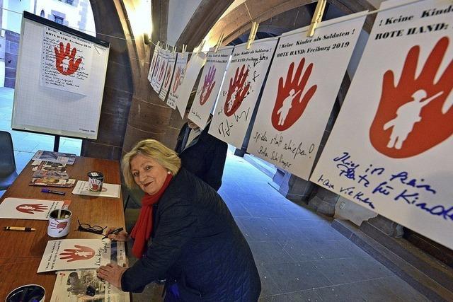 Rote-Hand-Aktion gegen Kindersoldaten