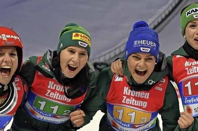 Gold für deutsche Skispringerinnen
