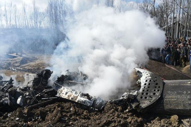 Zwei Flugzeuge über Kaschmir-Region abgeschossen