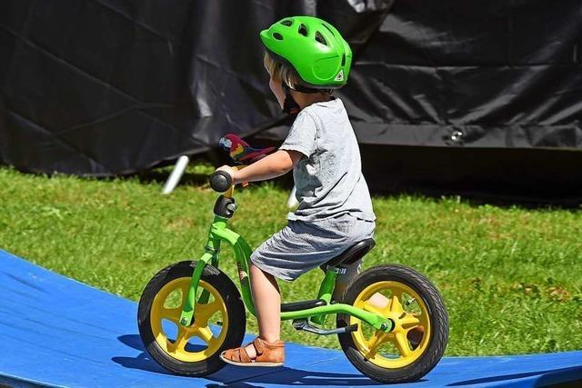 Vierjähriger haut mit Laufrad ab – und nennt Polizei seinen Namen nicht