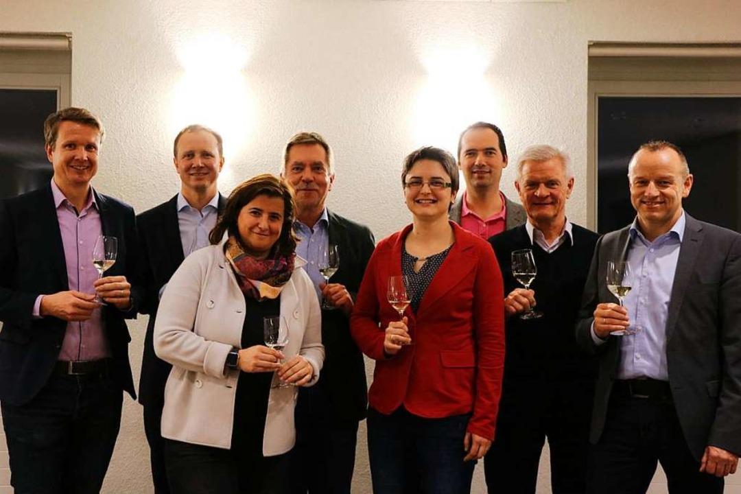 Vertreter von Kaiserstühler Weinbaubet...nternehmens ist Thomas Weiler (links).  | Foto: Claudia Müller