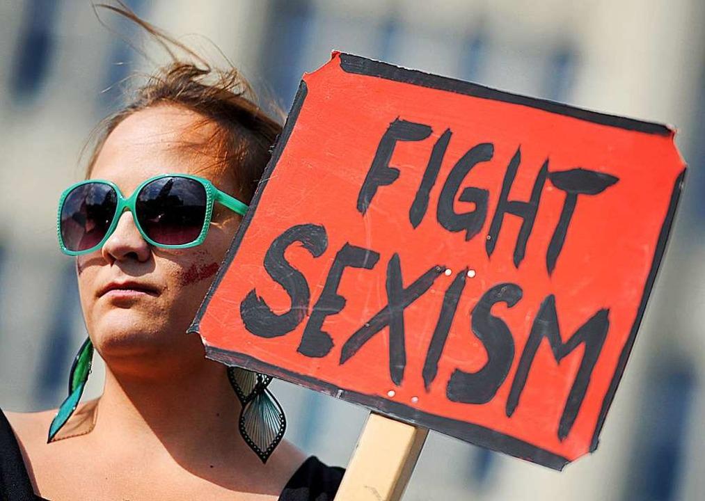 "Archivbild: ""Fight Sexism""... Teilnehmerin des Slutwalks in Hamburg  | Foto: dpa"