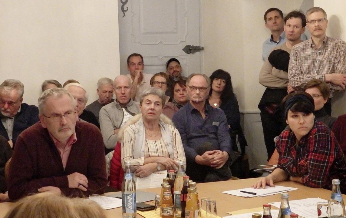 Zahlreiche Zuhörer nahmen an der Gemeinderatssitzung zum Verkehrskonzept teil.   | Foto: Johanna Högg