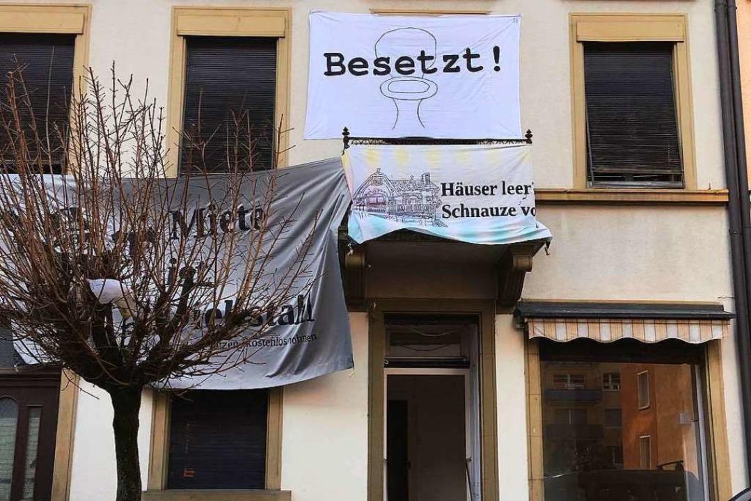 Das besetzte Haus in der Klarastraße 17  | Foto: Sergio Schmidt