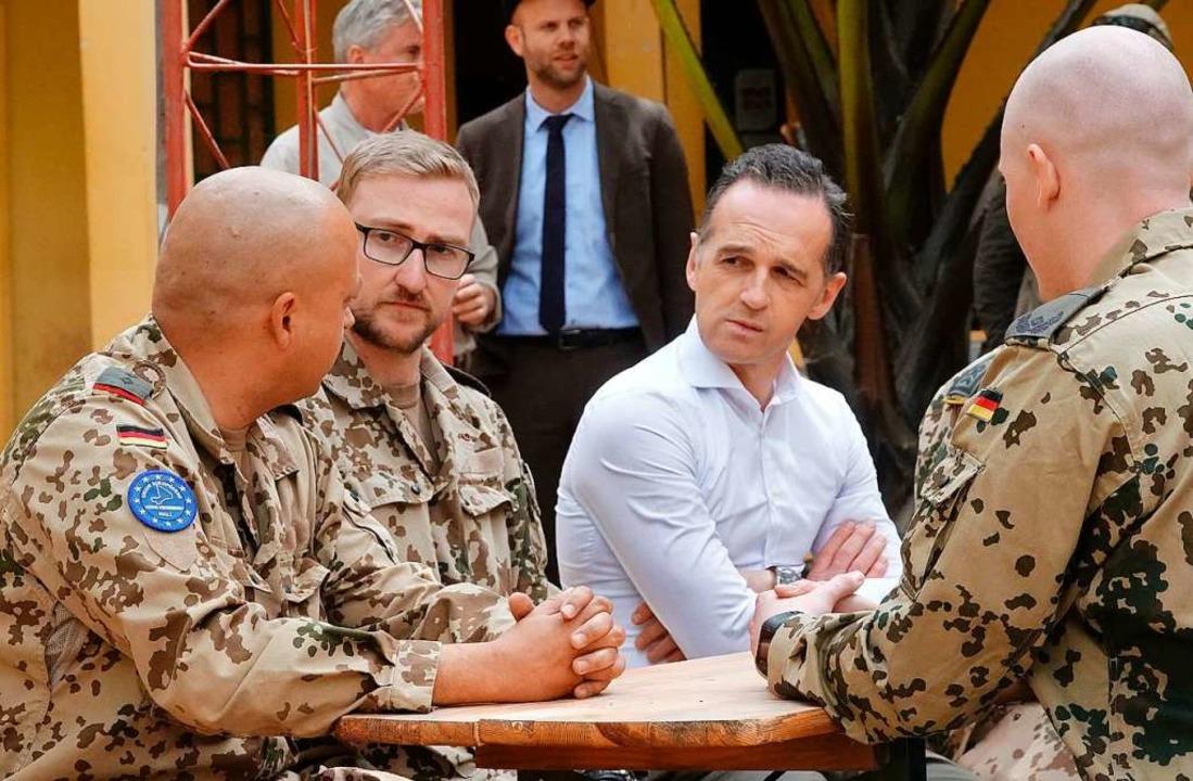 Außenminister Heiko Maas im Gespräch m...gst von Extremisten angegriffen wurde   | Foto: dpa