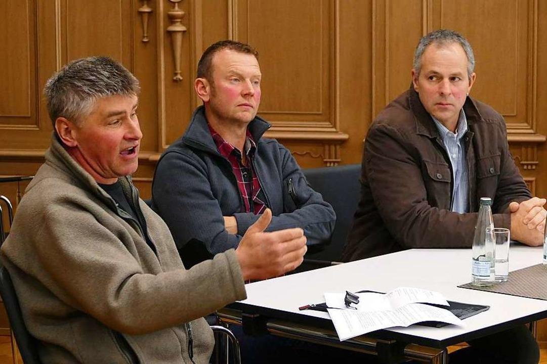 Landwirte aus dem Südschwarzwald beric..., rechts Bernhard Stiegeler aus Fröhnd  | Foto: Sattelberger